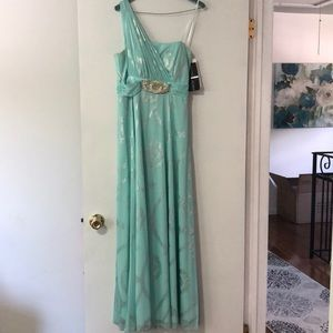 Light teal one shoulder gown